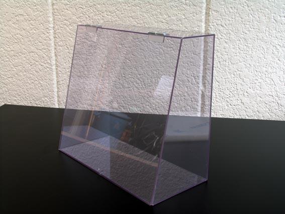 PVC3mmの変形ケース。アクリルに比べ低コストでお作り出来ます。