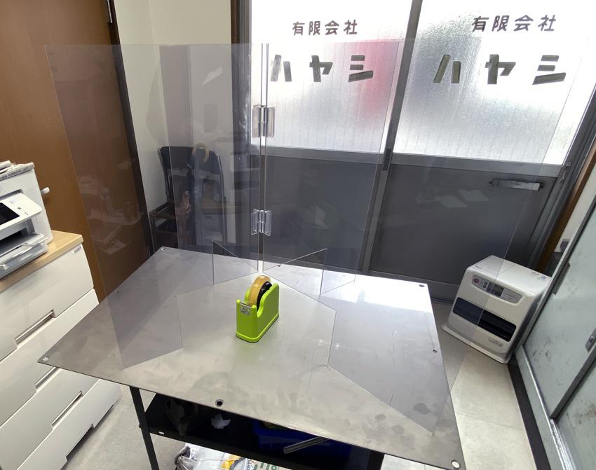宴会場や披露宴会場など円卓を利用する場面で活用できる飛沫防止パーテーション